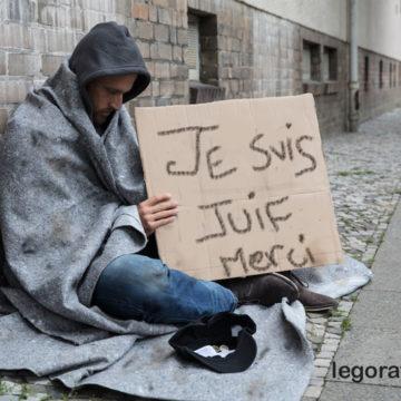 Il se convertit au judaïsme pour devenir riche et apprend qu'il va rester pauvre