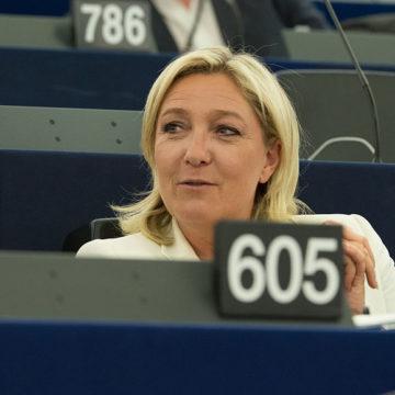 Affaire Macron-Pétain, Marine Le Pen choquée par le plagiat de ses idées