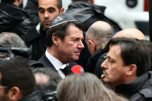 Solidaire des Juifs, Estrosi se fera circoncire par Meyer Habib en public, Place Masséna à Nice
