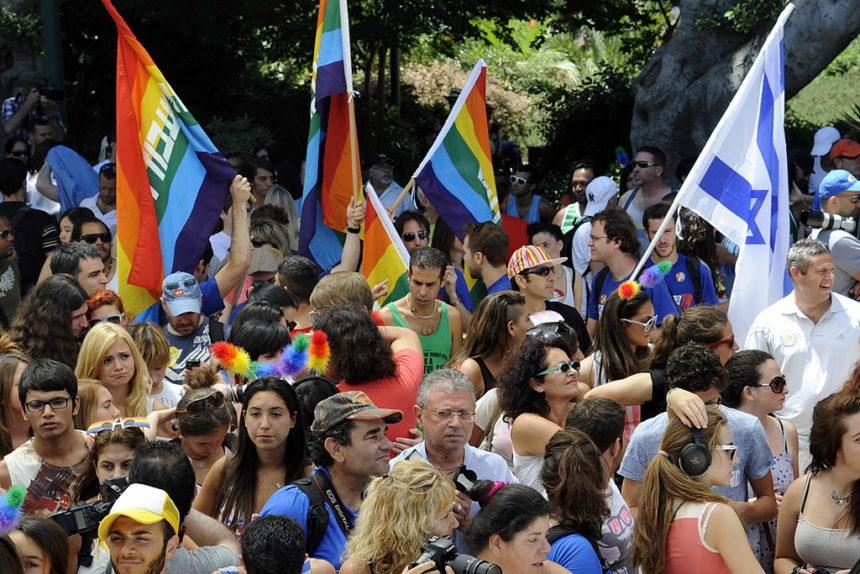 Divorce: juifs et gays, ils se disputent pour savoir qui donnera le guet.