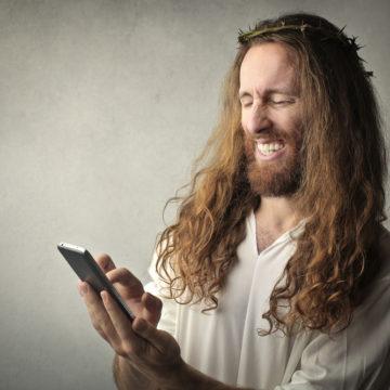 Selon son psychanalyste, Dieu se prendrait pour Jésus.
