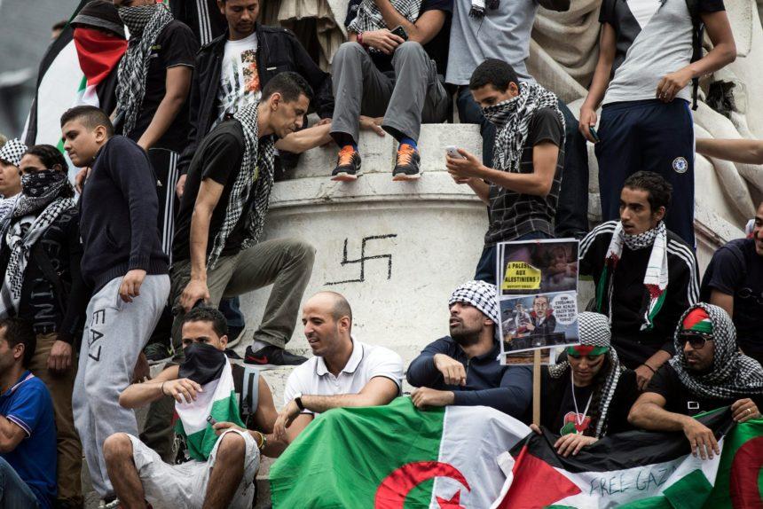 Un pro-palestinien affirme : «Je hais Israël, mais j'ai des amis youpins»