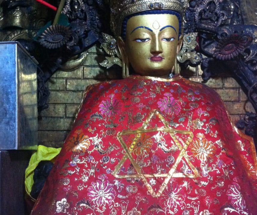 Dieu admet enfin que son existence est hypothétique et devient bouddhiste